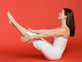 De-<strong>stress</strong> your body and mind with naukasana or boat pose