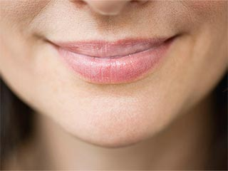 Home remedies to get rid of white spots on <strong>lips</strong>