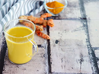 Turmeric milk does wonders but should you too be drinking it?