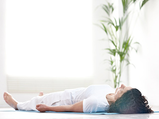 Not able to sleep at night? <strong>Yoga</strong> can be a cure to your insomnia!