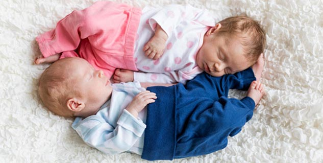 how to manage twins