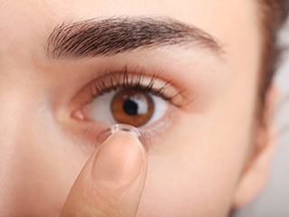 Your contact lenses can make you blind! Know how.