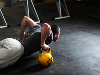 Follow these 4 practices to avoid injuries and infections at the <strong>gym</strong>