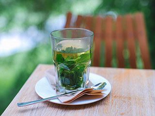 5 <strong>benefits</strong> of <strong>drinking</strong> peppermint tea that you were not aware of