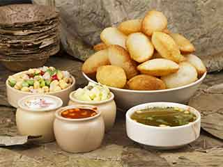Try This <strong>Lip</strong>-<strong>Smacking</strong> Pani Puri Recipe At Home