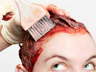 The right way to apply hair dye