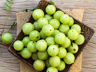4 Amazing Health <strong>Benefits</strong> of <strong>Indian</strong> Gooseberries a.k.a Amla that You Were Not Aware of