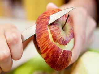 Reasons why your child should eat an <strong>apple</strong> a day