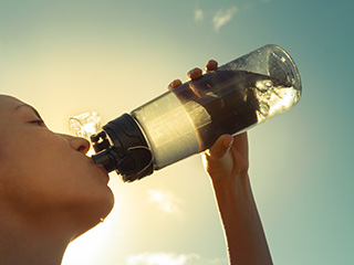 The health <strong>dangers</strong> of drinking too much water