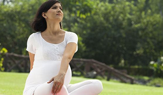 Top 3 Yoga Poses to Ward off Pregnancy Blues