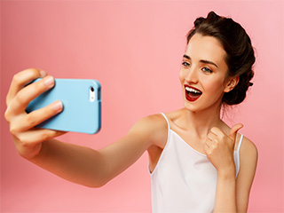 No kidding! Selfies can actually help you lose weight