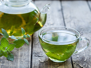 Lose weight fast and safely with green <strong>tea</strong>