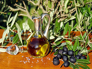 Best cooking oils to improve your <strong>heart</strong> <strong>health</strong>