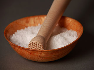 Damaging effects of too much <strong>salt</strong> in the diet