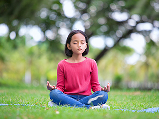 Let your kid have a better and healthier life with these 5 easy yoga asanas