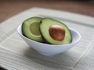 Avocados reduce food cravings and diabetes risk in overweight adults