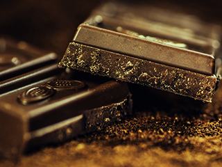 Know why and how <strong>dark</strong> chocolate is your heart's best friend