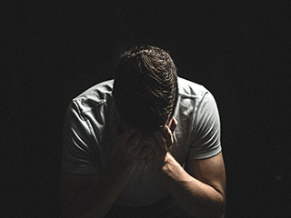 5 medical <strong>conditions</strong> that can lead to depression