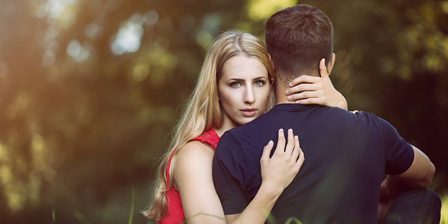 5 sure shot signs you are with a manipulator