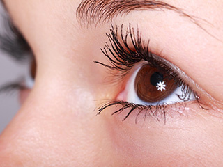 Add these <strong>nutrients</strong> to your diet for longer and beautiful eye-lashes