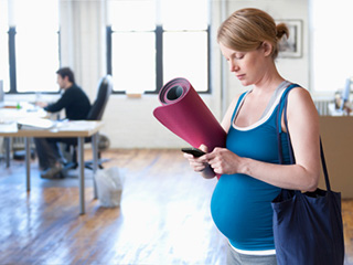 These <strong>yoga</strong> asanas will help you prepare your body for birth