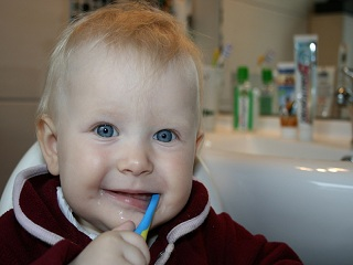Know the Facts and the Signs of Teething