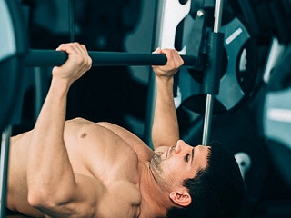The Pros and Cons of Weight <strong>Lifting</strong> and Cardio Exercises