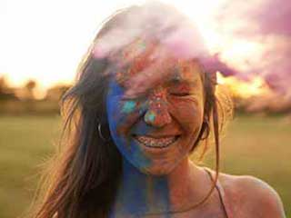 How to Remove <strong>Holi</strong> Colours from Your Skin