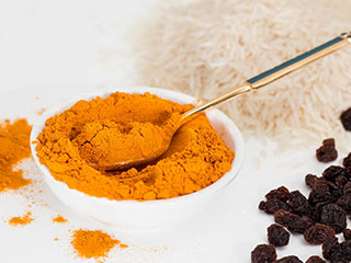 Curcumin in <strong>Turmeric</strong> may help lower the risk of Alzheimer's disease