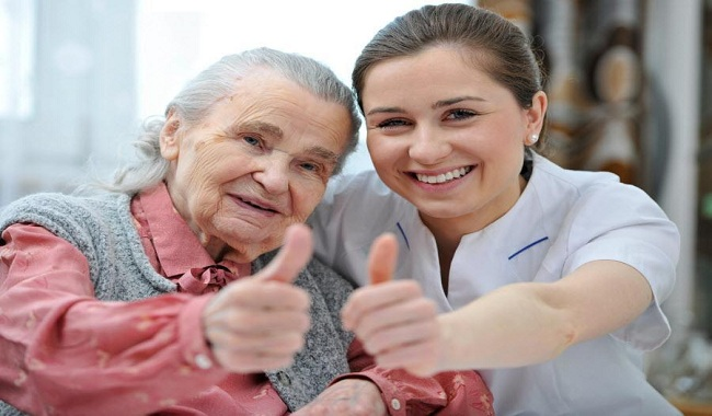 Tips to Take Care of an Elderly Woman