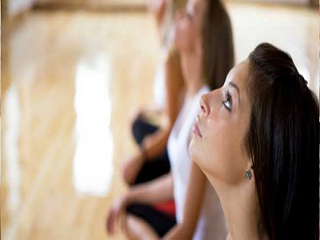 <strong>Yoga</strong> Exercises to Slim Down Your Face