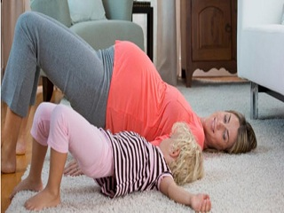Hip extension exercise for <strong>pregnant</strong> <strong>women</strong>