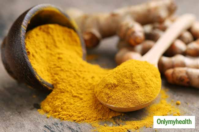 Remove blackheads with Turmeric