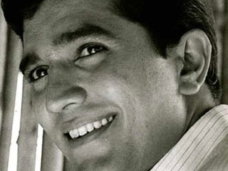 Remembering Rajesh Khanna: The Stylish Avatar Of The Superstar Of 70s