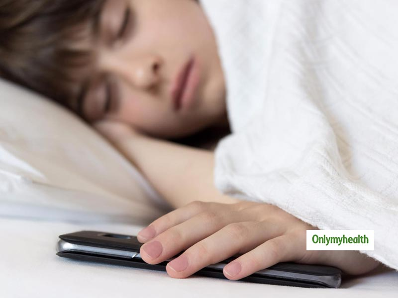 Never Sleep Next To Your Mobile Phone As It Is Dangerous For Your Health