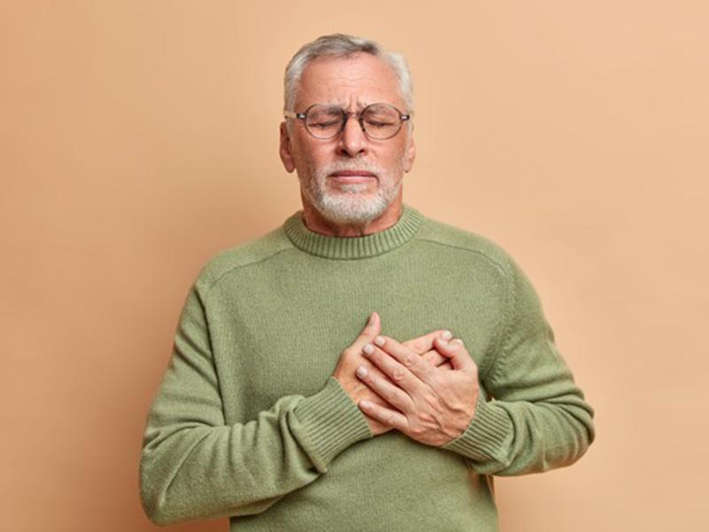 在心脏病中,身体会首先显示这5个体征,如果您采取预防措施,则可以降低风险。