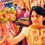 Sisters get the <strong>gift</strong> of beauty on rakhi